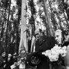 Мая Кляшторная і Зянон Пазняк. Курапаты 1989 год. Фота: Уладзімір Сапагоў (1959-2012)