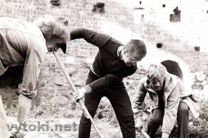 Раскопкі ў Мiрскім замку, 1981 год