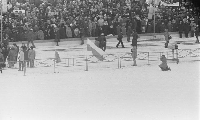 19 лютага 1989 года, Мінск, мітынг на Дынама, аўтар  Уладзімір Сапагоў